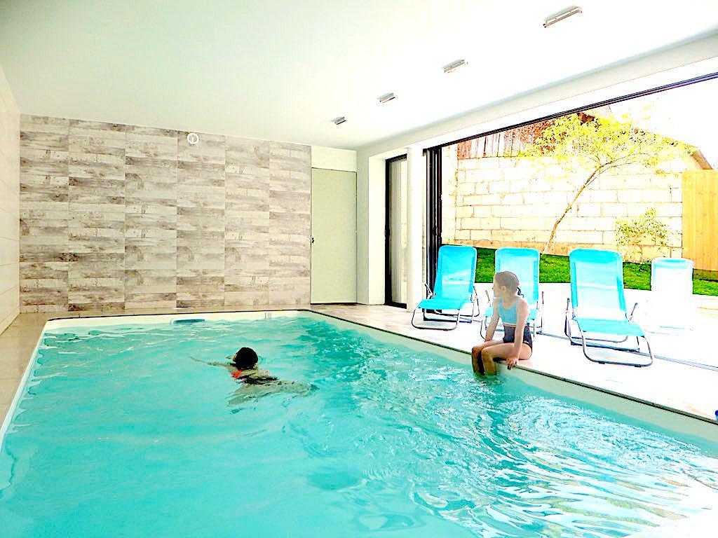 Grand gite saumur une ile en ville et le bonheur est - Gite avec piscine couverte normandie ...